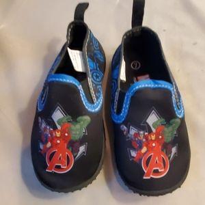 Marvel Avengers swim shoes sz 7